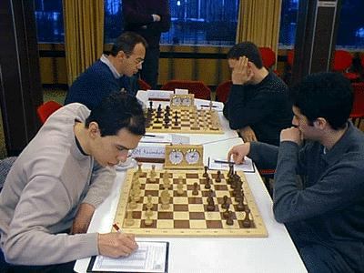 SG Solingen - SCA St. Ingbert, Bretter 1 und 2 links: Rustam Kasimdzhanov